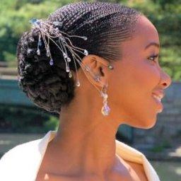 bruidskapsel voor kroeshaar