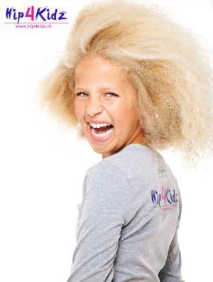 celina nootdorp Meisje met blond kroeshaar